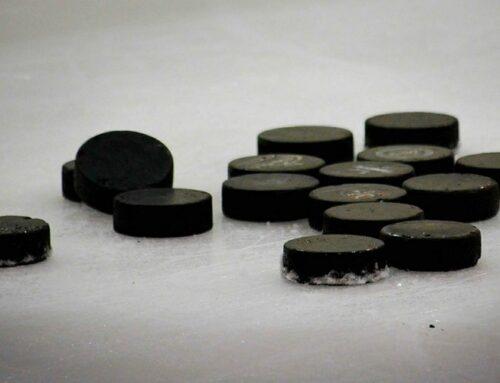 Naisten ja U18 poikien jääkiekon IIHF 2021 MM-kisojen tuomarit on valittu